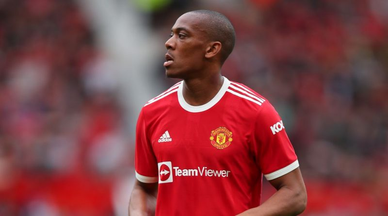Martial rejects chance to leave Man Utd on deadline day after Ronaldo return