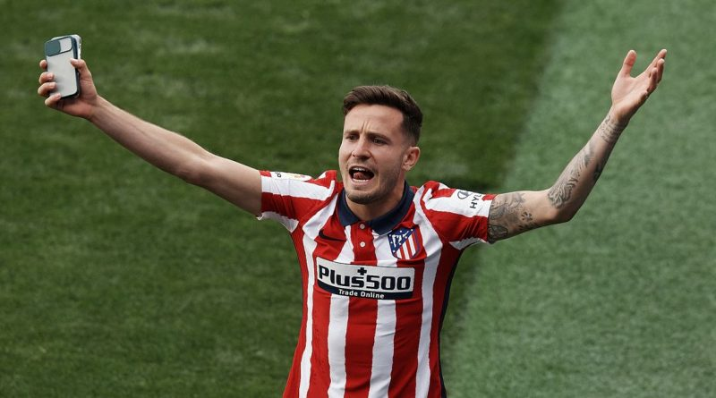Saul Niguez completes last-gasp Chelsea loan transfer with an option to buy