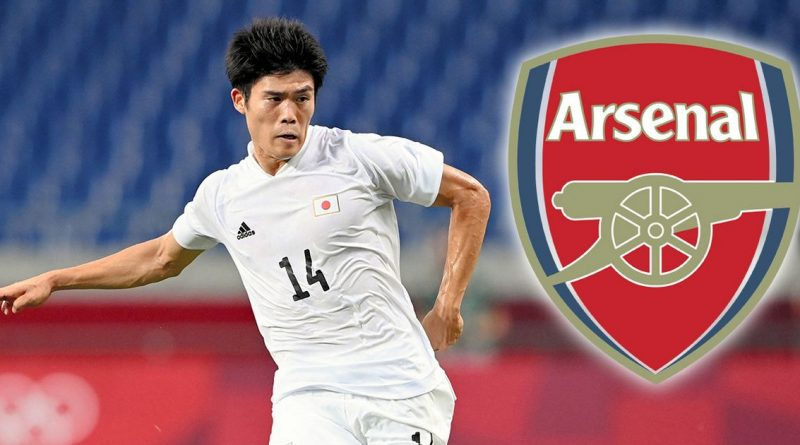 Arsenal complete signing of Japanese defender Tomiyasu from Bologna