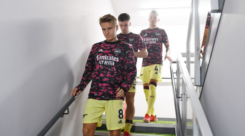 Arsenal forced to go 'back to basics' with unorthodox changing room at Burnley