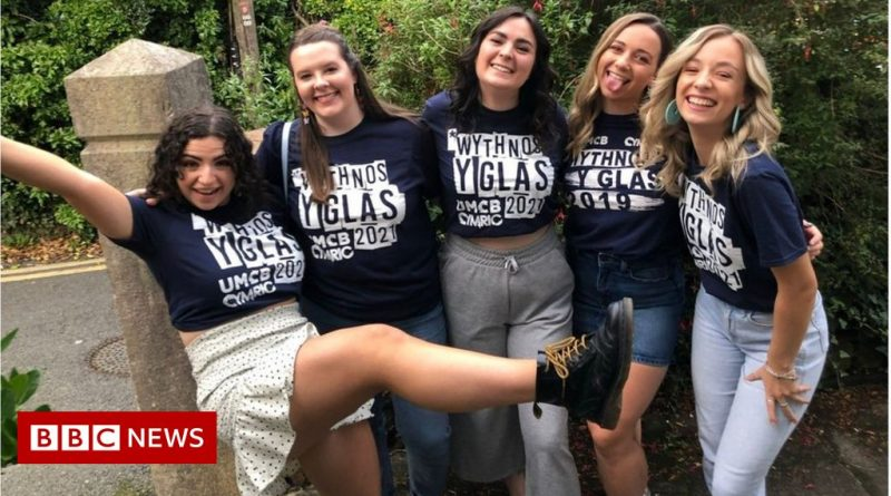 Covid: Students urged to get vaccine in freshers' week