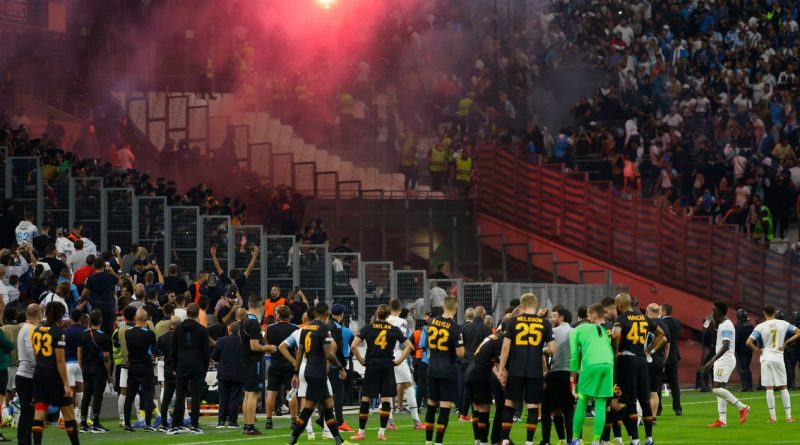 Europa League game temporarily suspended as Marseille and Galatasaray fans clash