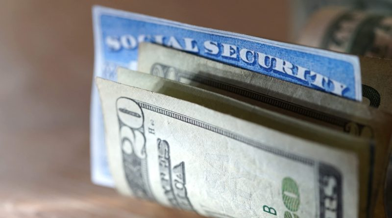 Here's how much your benefits could drop if Social Security trusts run out of money