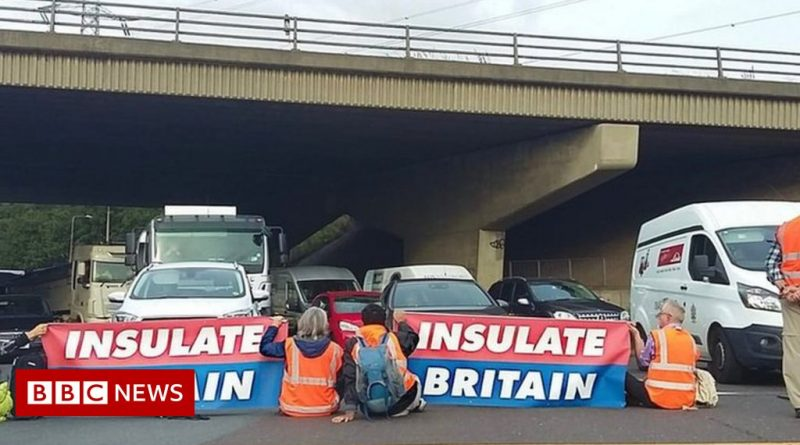 Insulate Britain protesters block M25 junction in Thurrock