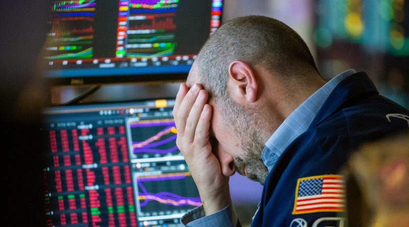 Investors believe it's time to get very conservative in the stock market, CNBC survey shows