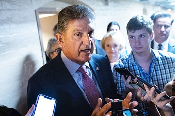 Joe Manchin voted to advance the $3.5 trillion budget bill — now he says Democrats should press pause