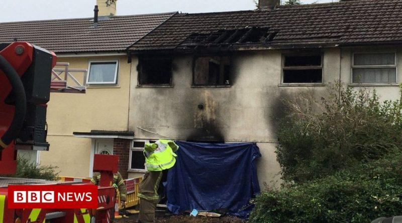 Man dies in Swindon house fire