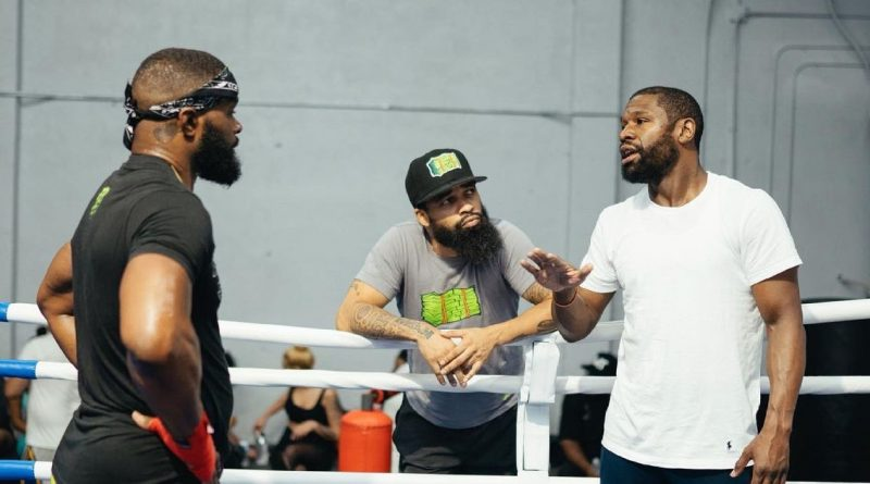 New footage shows Floyd Mayweather's advice to Tyron Woodley for Jake Paul fight
