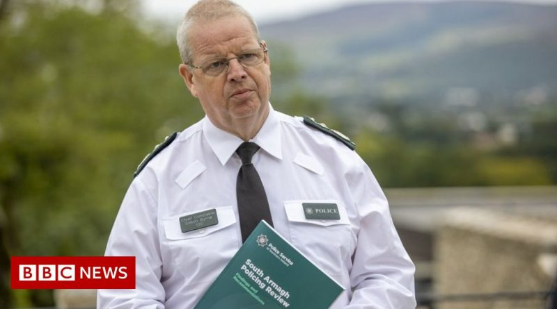 PSNI review: Gordon Lyons calls for chief constable to resign