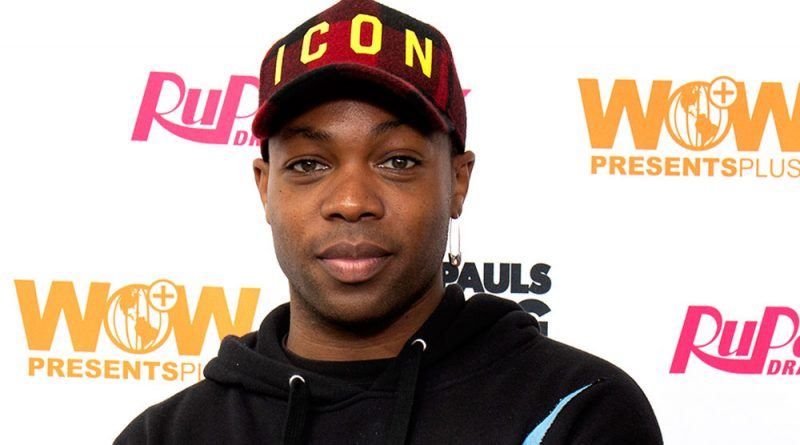 Todrick Hall poses on the red carpet