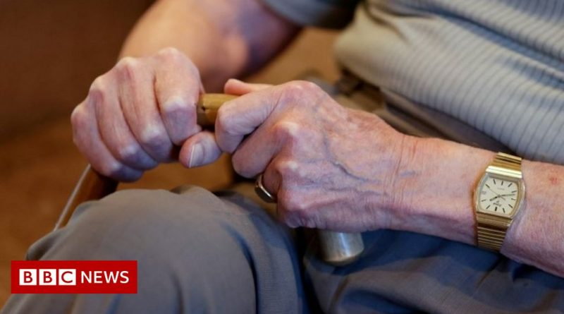 Covid-19: More visits allowed to Northern Ireland care homes