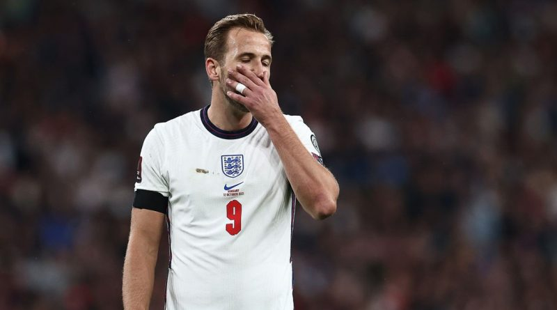 "Keane and Wright lay into Kane after ""sluggish"" England ace struggles again"