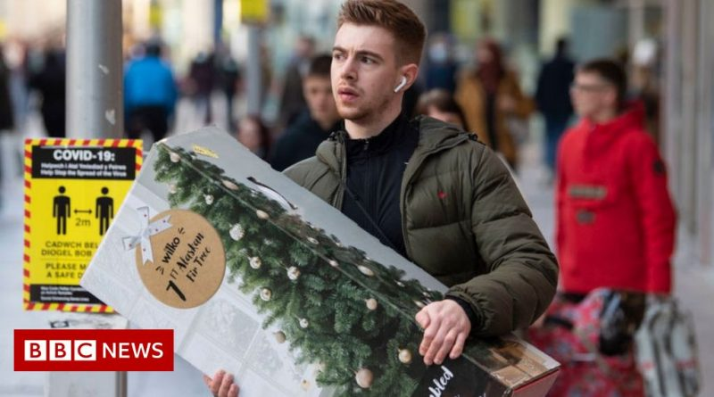 Shoppers told to plan ahead for Christmas amid port delays