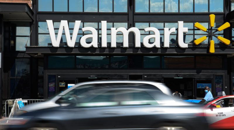 Walmart's corporate workers will return to the office in early November